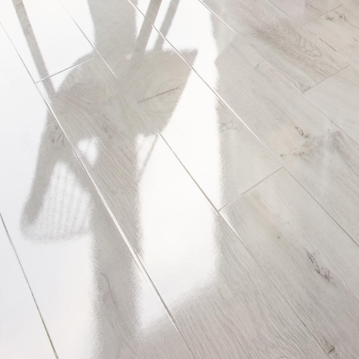 Kaindl Fresco Snow Oak 12mm Gloss V, White Gloss Laminate Flooring