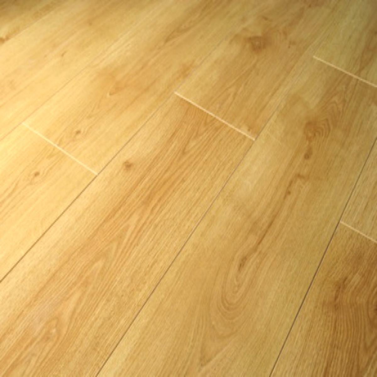 Prestige Oak Planked Honey V Groove, Prestige Laminate Flooring Reviews