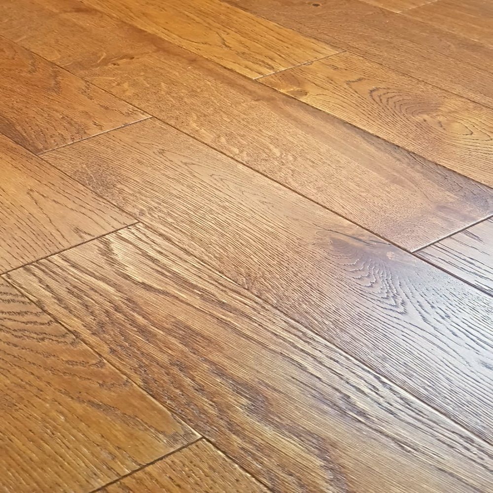 Rusty Oak Brushed And Lacquered 125mm, 14mm Thick Laminate Flooring