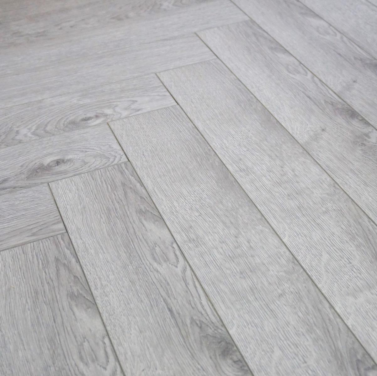 Grey Laminate Flooring 12mm Vinatge, Light Grey Oak Effect Laminate Flooring