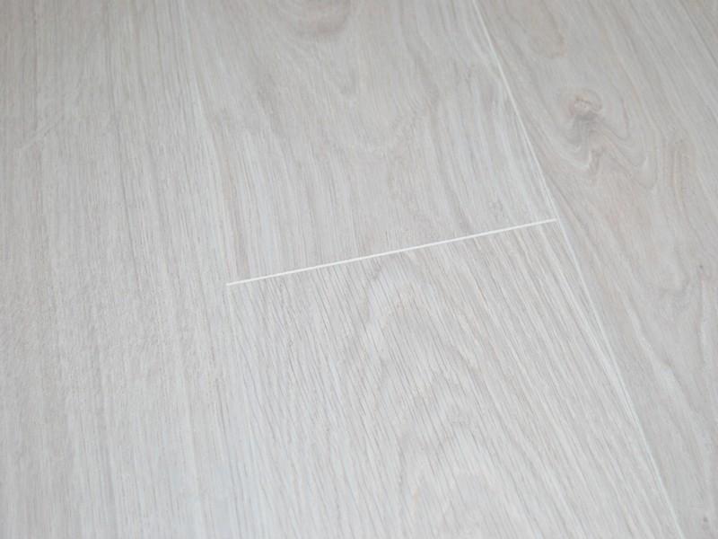 Krono 8mm Waveless Oak White V Groove, 8mm Vs 12mm Laminate Flooring