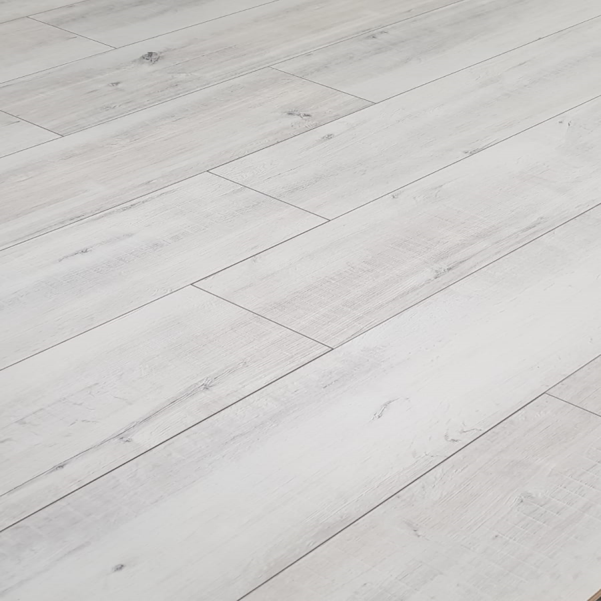 Krono Gala White Oak Wide Laminate Flooring 8mm V Groove